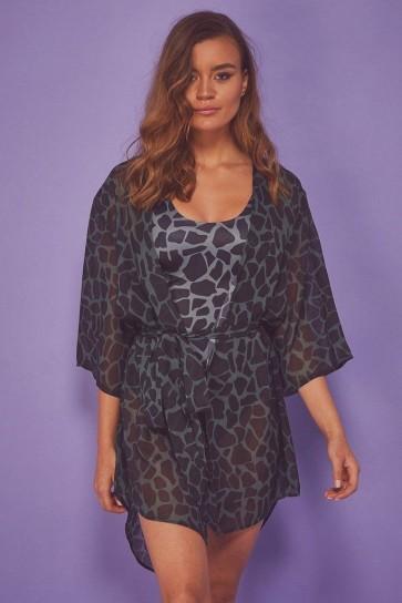 Wolf&Whistle Khaki Giraffe Beach Kimono