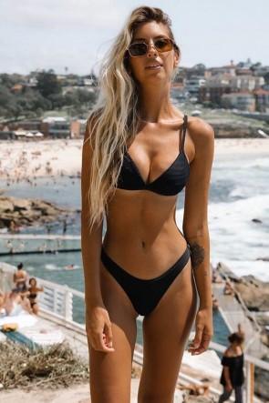 Essentials Fixed Tri Bra Bikini Set Seafolly Black